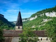 """Abbaye, Edifices et patrimoine religieux, Labels """"Plus beaux vil"""