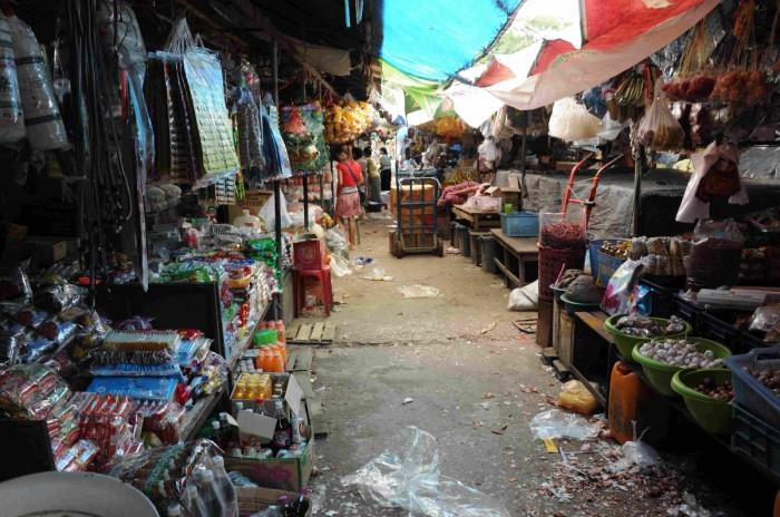 http://www.voyageurs-du-net.com/wp-content/uploads/2012/10/negocier-marche-asie-conseils-voyage-700x464.jpg