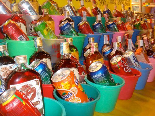 Les buckets (seaux  d'alcool), ou la garantie d'une murge brutale