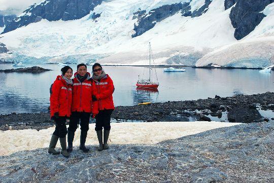 Antarctique avec des touristes