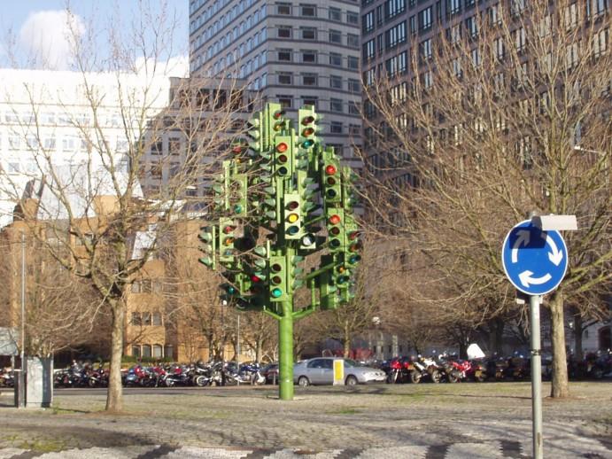 londres-insolite-traffic-light-tree-03