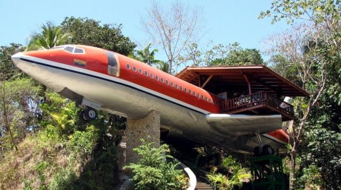 http://www.voyageurs-du-net.com/wp-content/uploads/2013/05/hotel-insolite-costa-rica-avion-700x391.jpg