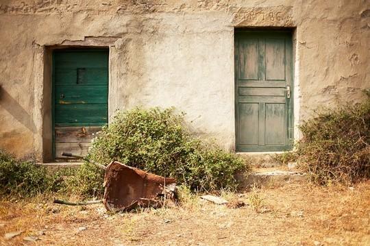 yann-delanaux-corse-insolite-village-abandonne-e-rosse-01