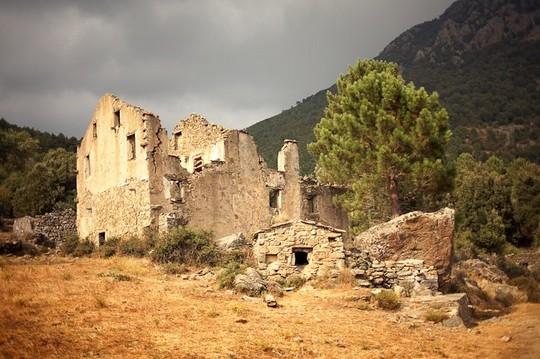 Comment trouver des villages abandonnes - Acheter village abandonne ...