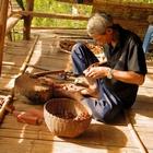Artisanat aux odeurs de santal en Thaïlande