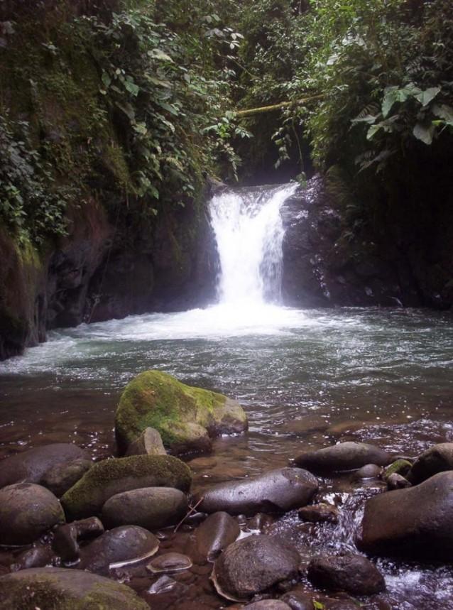 Santa Lucia en Equateur, la cascade