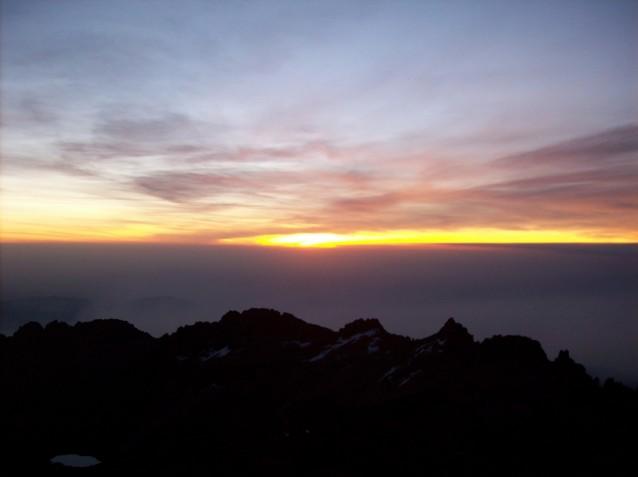 Lever de soleil sur un des sommets du Mont Kenya