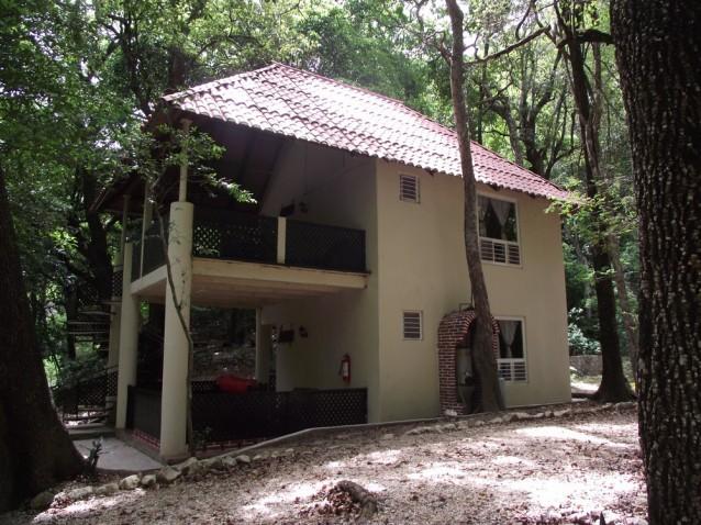 tourisme-communautaire-ecolo-chiflon-cabane
