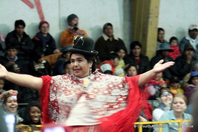 Lucha-libre-cholita-wrestling-catch-feminin-la-paz-bolivie-costume-trad