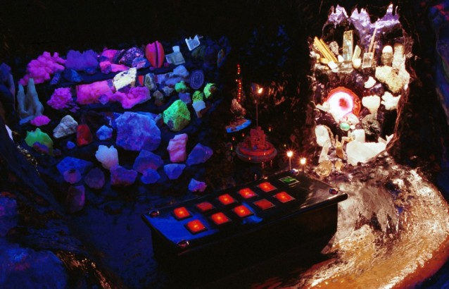 fluo-musee-insolite-amsterdam-buttons