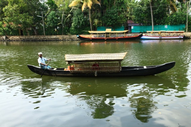 inde-insolite-alleppey-canot-traditionnel
