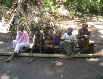 faux-pygmees-baka-cameroun-kribi