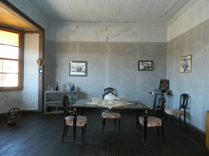 Chili-insolite-ghost-town-04-Humberstone