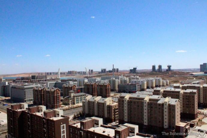 Des tours à perte de vue, toutes -- ou presque -- vides d'habitants : Ordos, ville-fantôme chinoise.  (Lire le récit de Darmon Richter sur Ordos.