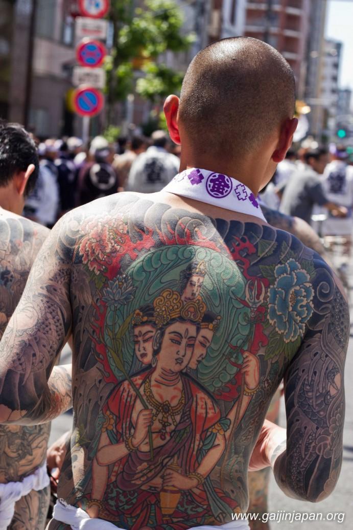 yakuzas-tokyo-festival-sanja-matsuri-13