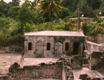 Saint-Pierre (Martinique) et la montagne Pelée : une histoire de cendres et de ruines