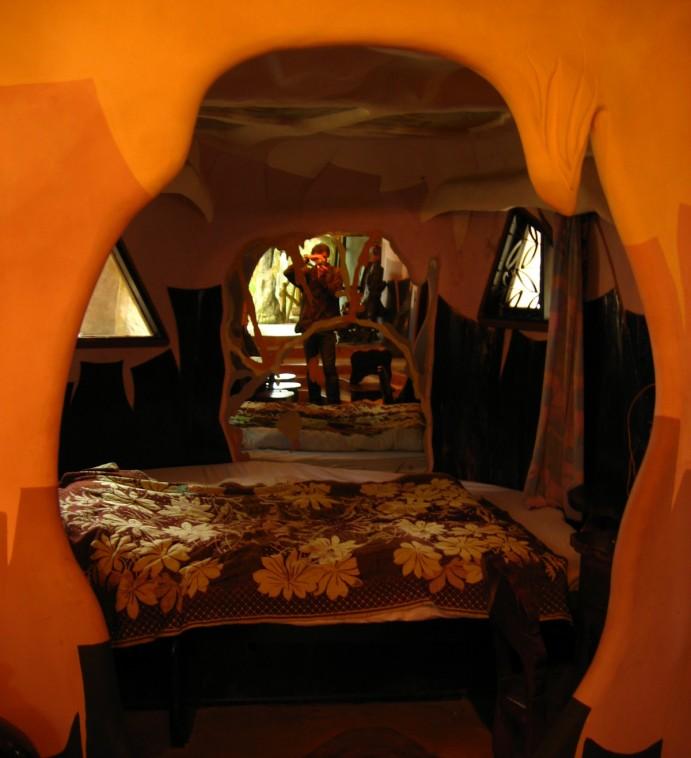 Dalat Crazy House - hector garcia