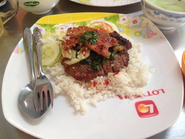 cuisine-vietnamienne-com-tam-suon
