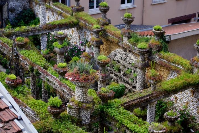 http://www.voyageurs-du-net.com/wp-content/uploads/2016/02/jardin-rosa-mir-lyon-insolite-credit-1bp.blogspot.com_-700x467.jpg