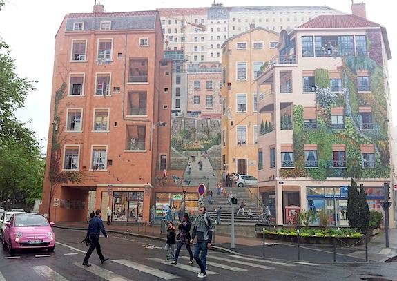 mur-peint-canuts-source-lyon-visite.info
