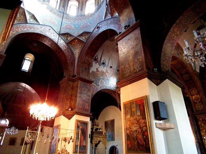 Vue intérieure de la catéhdrale d'Echmiadzin.
