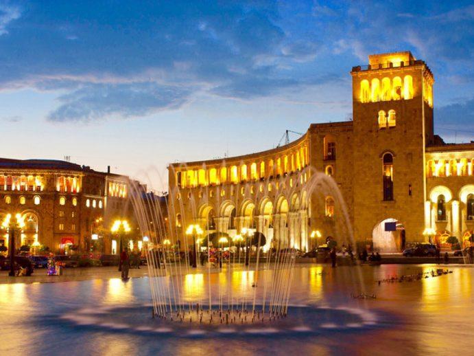 Place de la République, à Erevan.