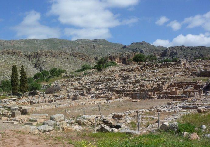Archéologie minoenne : cour centrale du site de Zakros.