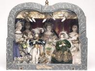 03-poupees-en-boite-reine-anne-1835