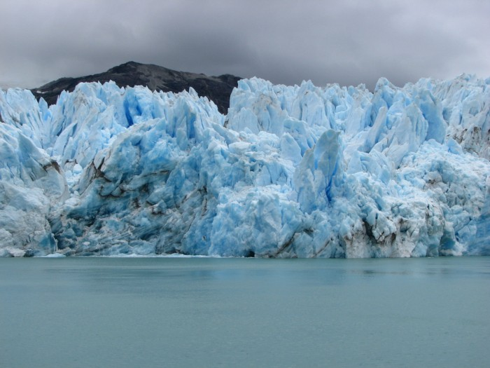 https://www.voyageurs-du-net.com/wp-content/uploads/2013/12/patagonie-chilienne-o-higgins-700x525.jpg