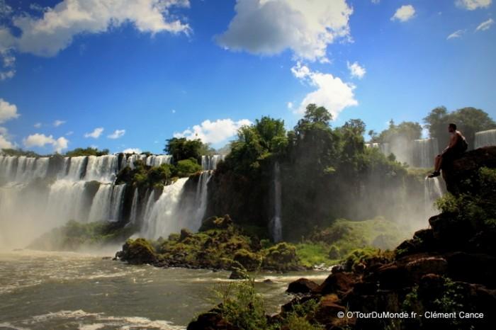 https://www.voyageurs-du-net.com/wp-content/uploads/2014/01/otourdumonde-chutes-iguaçu-700x466.jpg