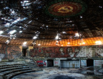 Urbex (exploration urbaine) et dark tourism : Darmon Richter, c'est son dada