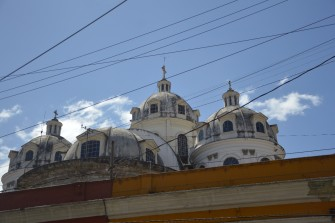 Les trois coupoles: une matinée à Quetzaltenango